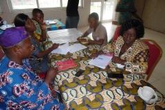 image-des-participants-en-groupe-de-travail-2