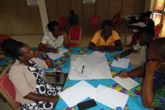 image-des-participants-en-groupe-de-travail-3