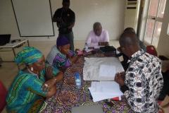image-des-participants-en-groupe-de-travail-4