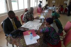 image-des-participants-en-groupe-de-travail