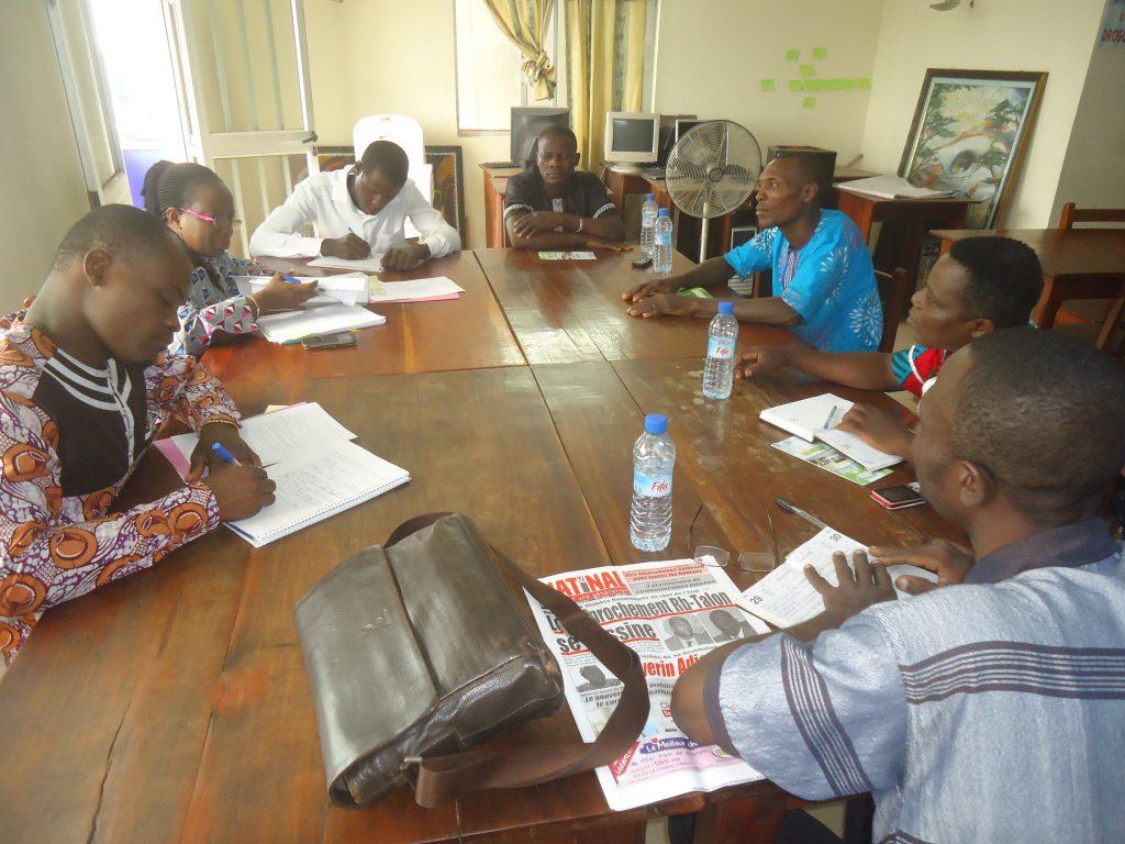 Déroulement de la séance de travail avec le collectif des artisans, présidée par le Directrice Exécutive du CDEL