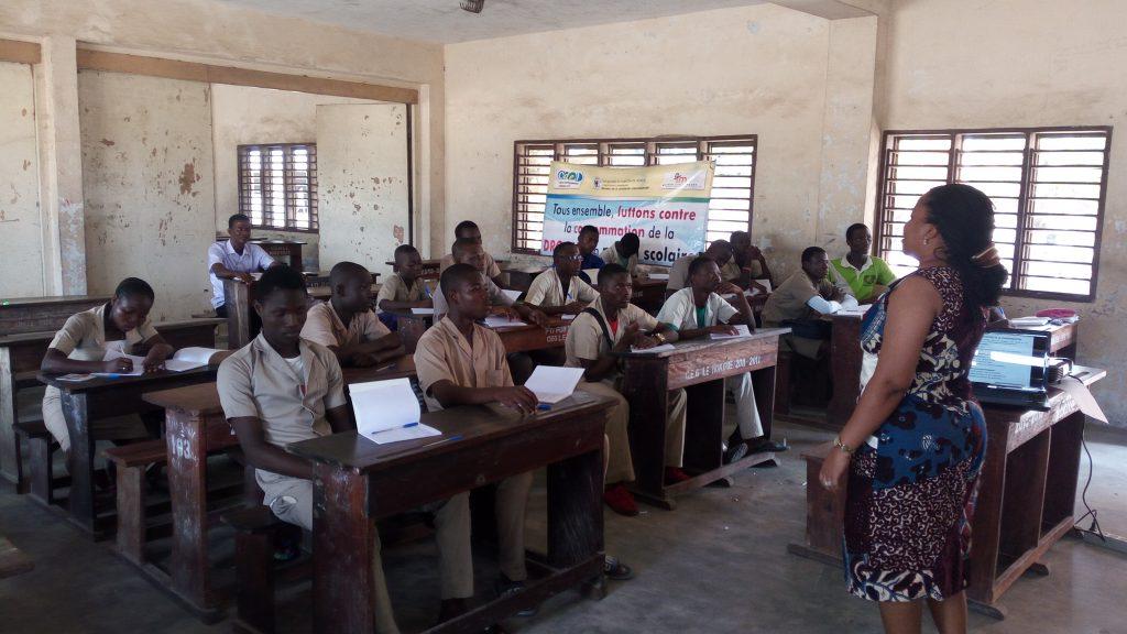 Déroulement de la formation par la consultante-psychologue au CEG Le Nokoué
