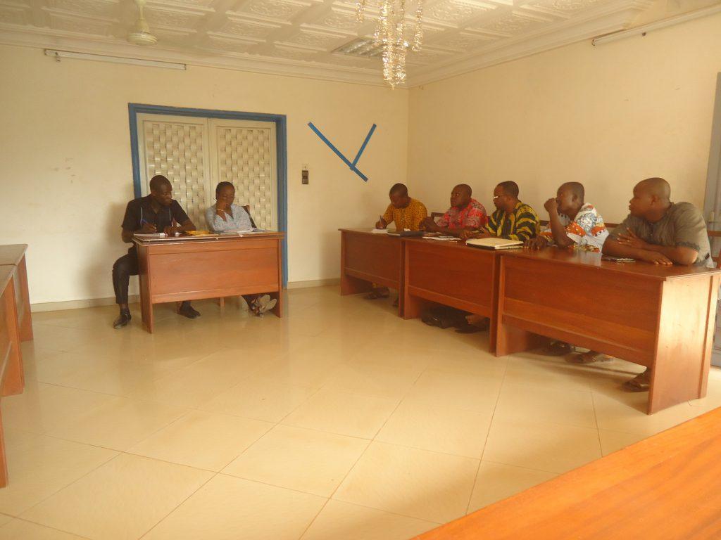Déroulement de la séance de travail avec le collectif des artisans d'Ifangni, présidée par le Directrice Exécutive du CDEL