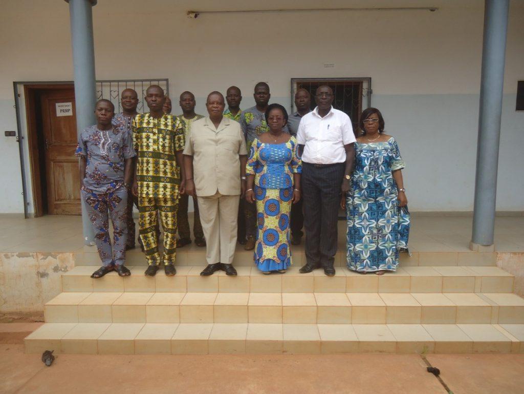 Photo de famille des autorités communales de Djakotomey et de la DE/CDEL