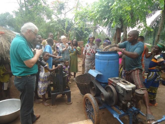 Visite des groupements de femmes à Ayomi (DOGBO)