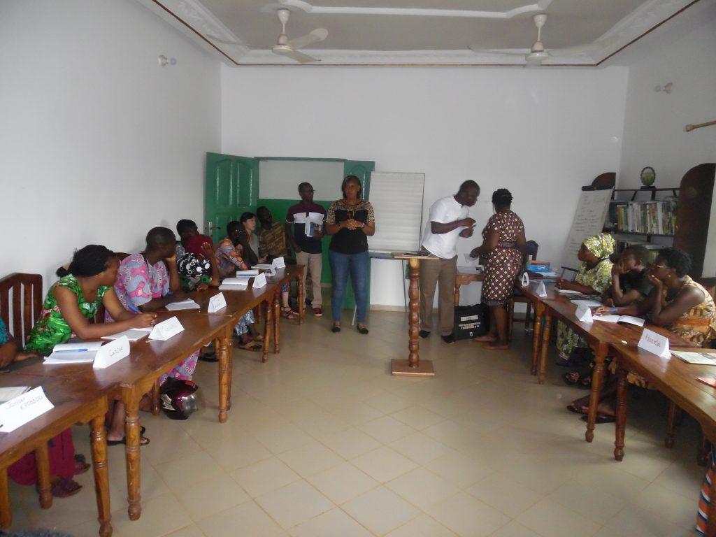 Lancement de la formation par la coodonnatrice de IDID et le chargé de suivi du CDEL