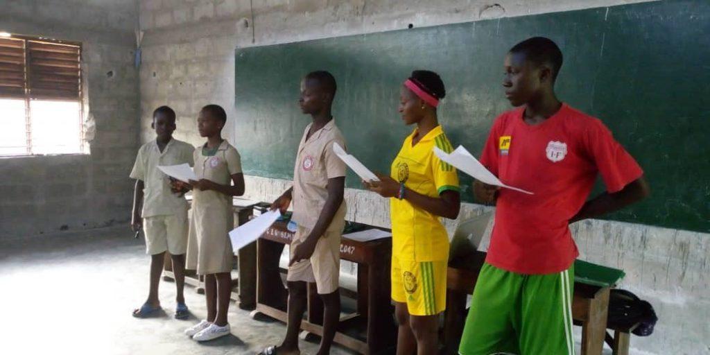 Formation des élèves sur l'Ecocitoyenneté, aptitudes et attitudes pour un cadre de vie sain au CEG Sèmè-Kpodji