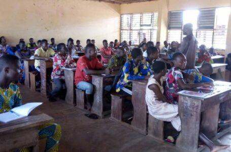 Le Centre de Développement Economique local (CDEL) en consortium avec GRABE-BENIN renforcent les capacités des jeunes élèves sur les thématiques écocitoyenneté et de recevabilité dans l'Ouémé