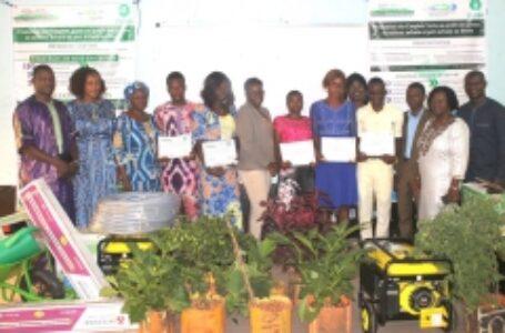 Cérémonie officielle de remise d'équipements et d'attestations aux jeunes bénéficiaires du Projet de Promotion des Emplois verts