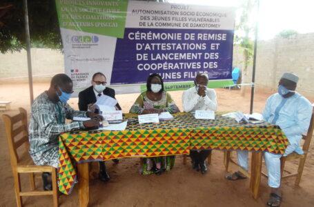Lancement de trois coopératives de jeunes filles à Djakotomey