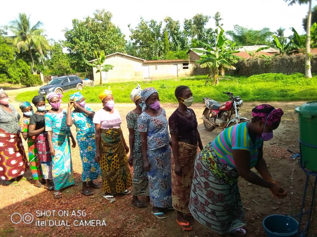 Renforcement des capacités techniques des femmes transformatrices de la noix de palme en huile de palme des groupements AYAGOU et MIGNON-MIAGNON de Dogbo